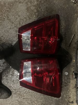 05 grand Cherokee tail lights for Sale in Rochester, NY