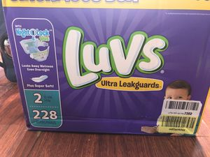 LUVs Size 2 Diapers 228ct for Sale in St. Louis, MO