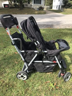 Joovy Caboose Ultralight double stroller for Sale in Affton, MO