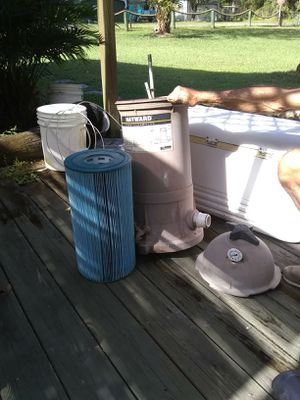 Hayward pool pump runs like new brand new filter ready to go for Sale in Hudson, FL