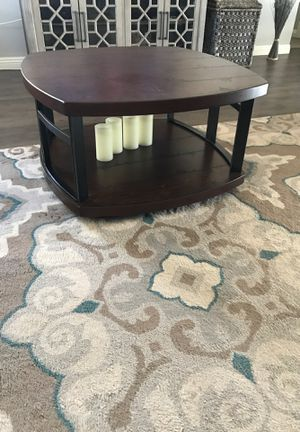 """Coffee table with matching end tables & tv stand for 65"""" tv for Sale in Apple Valley, CA"""