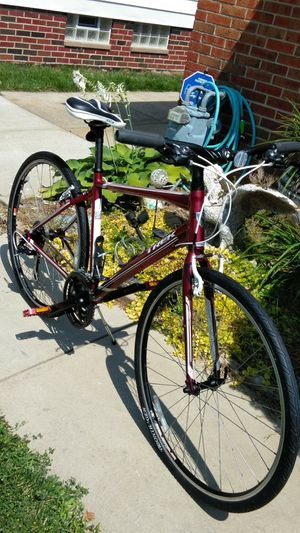 a4a60e8bbda Like New Trek 7.2 Bike 24 Speed 700c tires Trigger Shifter 19
