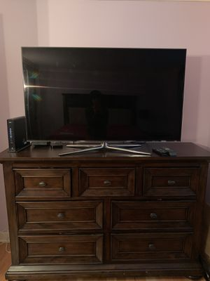 4 piece bedroom set, INCLUDING the mattress for Sale in Chicago, IL