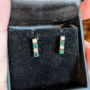 Natural Diamond And Emerald Bar Earrings for Sale in Millstone, NJ
