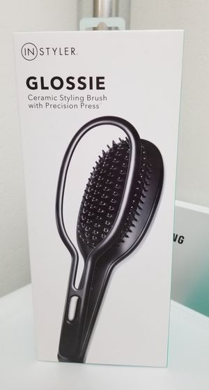 New Straightening Styling Brush for Sale in Bellevue, WA