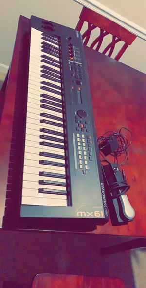Yamaha MX61 Music Synthesizer - Black for Sale in Manassas, VA