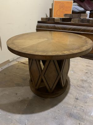 Antique Table perfect for Sale in Chicago, IL