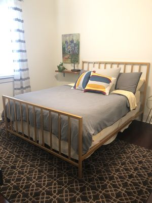 Queen bed frame, mattress and boxspring for Sale in New Orleans, LA