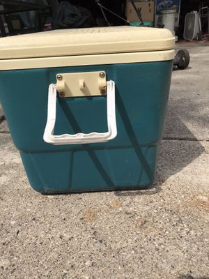 Cooler for Sale in Redford Charter Township, MI