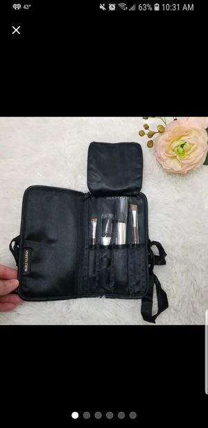 Merle Norman makeup brush set New for Sale in Quincy, IL