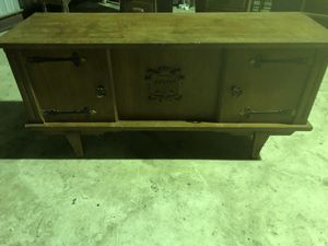 Wood TV Cabinet w/Storage Shelves for Sale in San Antonio, TX