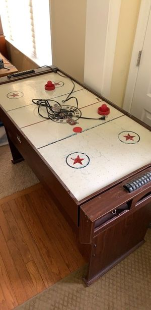 Air Hockey and Pool Table for Sale in Southampton Township, NJ