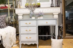 Gray Wash Four-Drawer Traditional Style Work Desk w/ Gold Drawer Pulls for Sale in Covina, CA