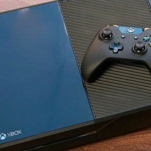 Xbox One in Great condition 180 Obo for Sale in Los Angeles, CA