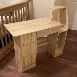 PERFECT SMALL SIZE DESK, LIGHT COLOR WOOD for Sale in Torrance,  CA