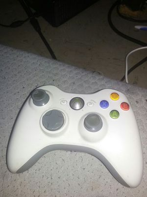 Xbox 360 controller & portable charger for Sale in New York, NY