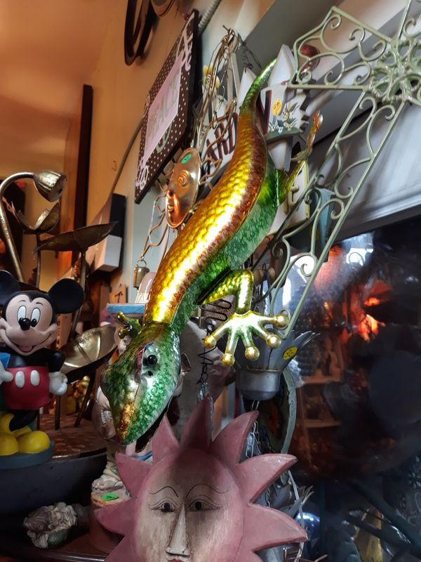 Colorful metal 3D gecko wall art