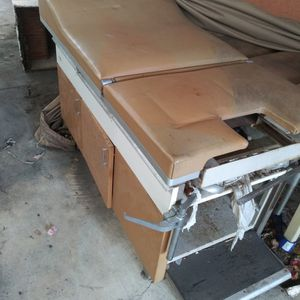 Exam Pap Table Used for Sale in Newport Beach, CA