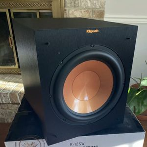 New Klipsch R-12SW 12-Inch Front Firing 400-Watt Max Powered Subwoofer for Sale in Quakertown, PA