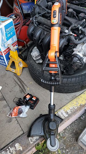 Black & Decker 20 volt weed eater for Sale in Anchorage, AK