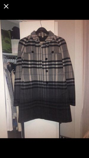 Burberry coat for Sale in Chicago, IL