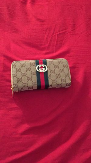 Gucci wallet for Sale in Fort Lauderdale, FL