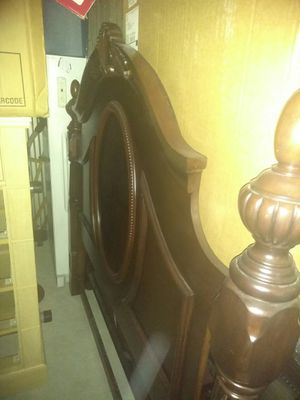 Complete Queen Bedroom Set: mattress set, 2 nightstands, armoire, headboard and footboard, mirror and entertainment center for Sale in Dallas, TX