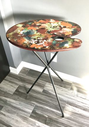 NEW - Wood & Metal, Painter's Palette Design, Accent Table for Sale in Lincoln, NE