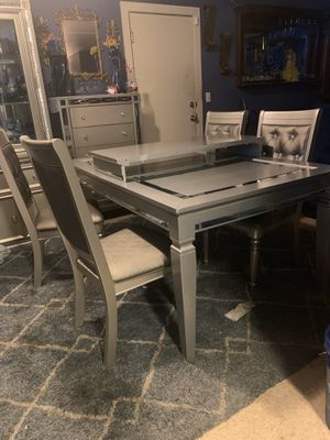 Modern grey table with 4 chairs cash $450 obo cash only for Sale in Fresno, CA