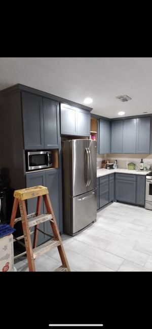 Kitchen cabinets and counter tops for Sale in Houston, TX