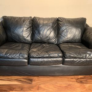 Black Leather Sofa MUST SELL MAKE OFFER for Sale in Cottage Grove, MN