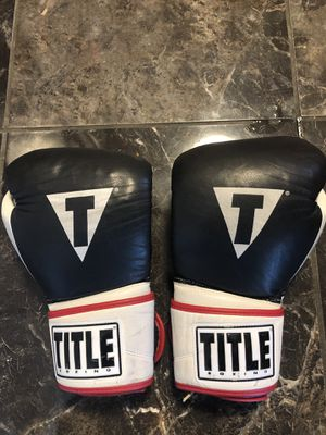 Title gel 16oz boxing gloves leather for Sale in Saint Charles, MO