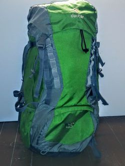 Deuter Youth Backpack 40L for Sale in Charlotte,  NC