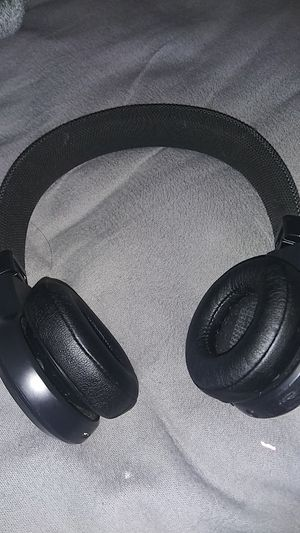 Jbl live wirelesss headphones for Sale in Fremont, CA