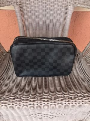 Louis Vuitton Toiletry Bag for Sale in St. Petersburg, FL