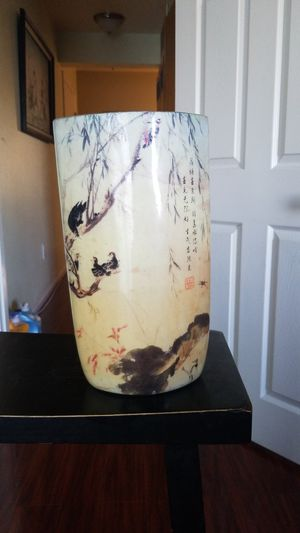 Chinese antique enamel painted porcelain vase. Chinese poem writing on the front and stamped. Very colorful with mama bird and her chicks. for Sale in Bellflower, CA