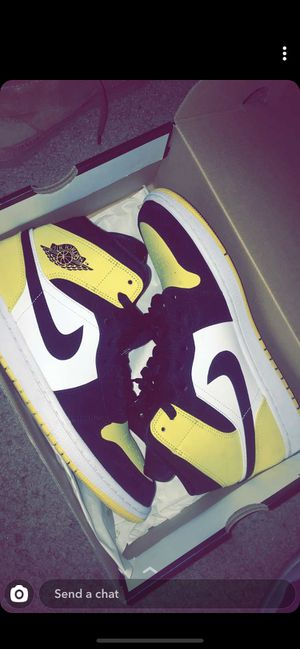 yellow toe black Jordan 1's SIZE 10.5 for Sale in Pittsburg, CA