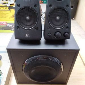 Logitech Z623 Speakers System With Subwoofer for Sale in Boca Raton, FL