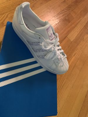 Men's Shell Toe adidas for Sale in Chicago, IL