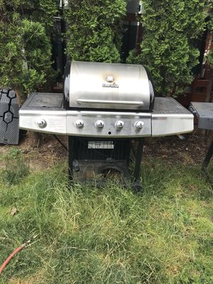 Gas bbq grill for Sale in Forest Grove, OR