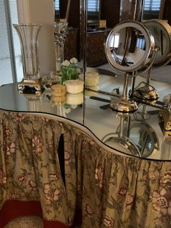 antique dressing table for Sale in Clarksburg,  CA