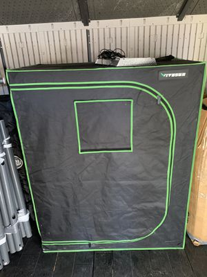 """VIVOSUN 48""""x24""""x60"""" Mylar Hydroponic Grow Tent with Observation Window and Floor Tray for Indoor Plant Growing 2'x4'. Plus MARS HYDRO TS 600W LE for Sale in Linden, NJ"""