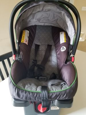 Graco Infant Car Seat with Base for Sale in Portland, OR