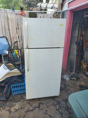 Refrigerator. (Pick up only ) for Sale in Columbus, OH
