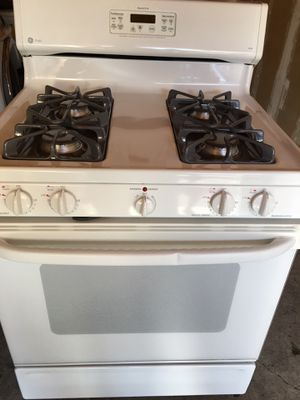 Ge gas stove white color for Sale in San Leandro, CA