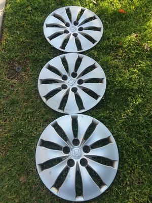 Honda hubcaps for Sale in Riverside, CA
