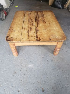 Antique coffee table for Sale in Wheeling, IL