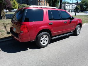 2005 ford explorer 6 cylinder tint windows and tv radio with sounds for Sale in Chicago, IL