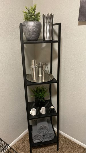 Metal ladder shelving stand for Sale in Orlando, FL