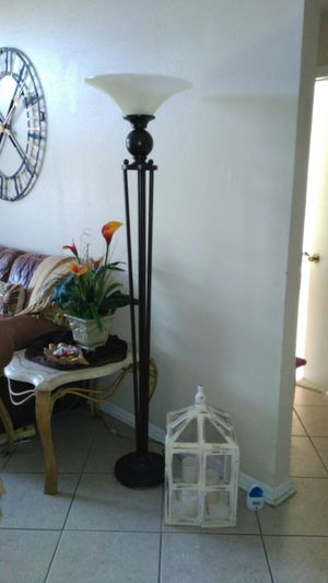 Floor Lamp for Sale in Riverview, FL